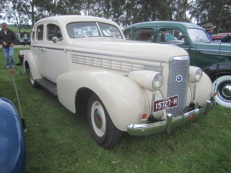 LaSalle_1938_Series_50_Sedan(bySicnag)